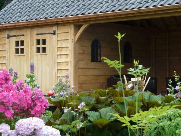 Eikenhouten tuinhuis